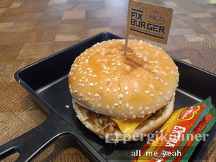 Foto 1 - Makanan di FIX Burger oleh Gregorius Bayu Aji Wibisono