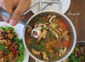 9 Restoran di Jakarta dan Tangerang dengan Menu Sup Tom Yam Paling Juara