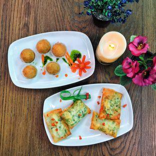 Foto 9 - Makanan di Opiopio Cafe oleh Astrid Huang | @biteandbrew