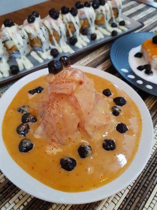 Foto 2 - Makanan di Baiza Sushi oleh BiBu Channel