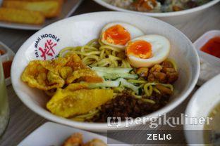 Foto 3 - Makanan di Tai Wah Noodle oleh @teddyzelig