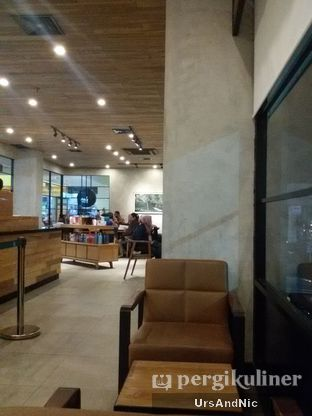 Foto 4 - Interior di Starbucks Coffee oleh UrsAndNic