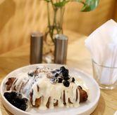Foto Boba Milk Tea Croissant di Social Affair Coffee & Baked House