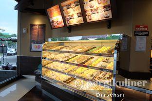 Foto 11 - Interior di Dunkin' Donuts oleh Darsehsri Handayani