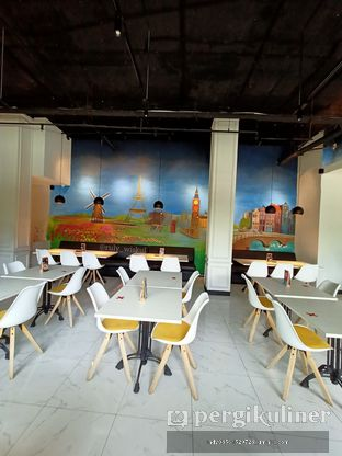 Foto 44 - Interior di Fish & Chips ThreeHouse oleh Ruly Wiskul