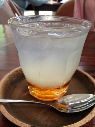 Foto 1 - Makanan(Honey & Lime) di Titik Temu Coffee oleh awakmutukangmakan