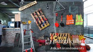 Foto 7 - Interior di Ludwick Cafe oleh Jakartarandomeats