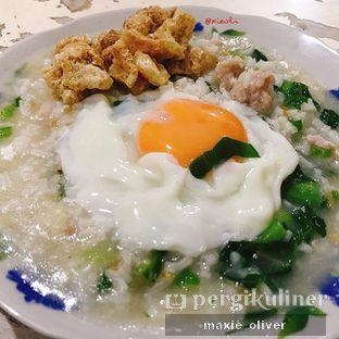 Foto - Makanan(Bubur Ikan) di Bubur Singkawang Akhun oleh Drummer Kuliner
