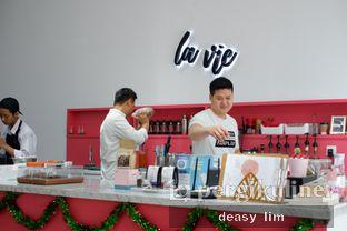 Foto 9 - Interior di La Vie Kitchen and Coffee oleh Deasy Lim