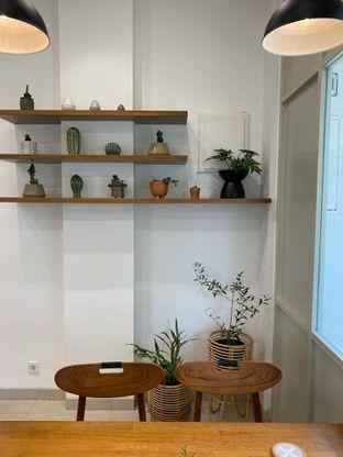Foto 4 - Interior di Platon Coffee oleh Richie Niclaus