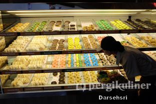 Foto 5 - Interior di Dunkin' Donuts oleh Darsehsri Handayani