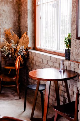 Foto 20 - Interior di Roast Coffee oleh Indra Mulia