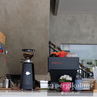 Foto 7 - Interior di WINC Collaborative Space & Cafe oleh Darsehsri Handayani
