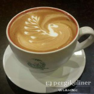 Foto 1 - Makanan(Toasted Almond Latte) di Coffee Tree oleh UrsAndNic