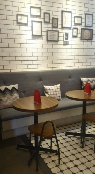 Foto 4 - Interior di Qubico Coffee oleh Ika Nurhayati