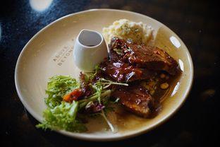 Foto 4 - Makanan(24-hours Braised Beef Brisket) di Above and Beyond oleh Fadhlur Rohman