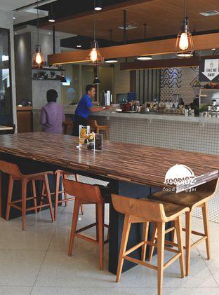 Foto 3 - Interior di Mokka Coffee Cabana oleh IG: FOODIOZ