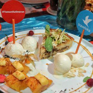 Foto 4 - Makanan(Provencial frangipani apple pie) di Le Quartier oleh Stellachubby