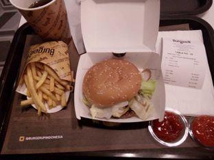 Foto 2 - Makanan di BurgerUP oleh Indharta Harviansyah