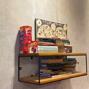 Foto 8 - Interior di Emmetropia Coffee oleh Levina JV (IG : @levina_eat & @levinajv)