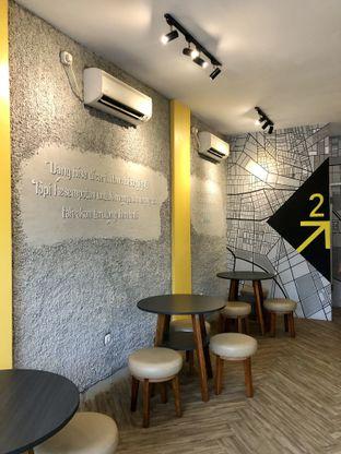 Foto 2 - Interior di Alooen Alooen Cafe and Coffee oleh kdsct