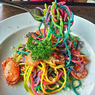 Foto 3 - Makanan(Rainbow Chorizo Aglio Olio) di High Grounds oleh felita [@duocicip]