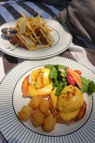 Foto 8 - Makanan di Cork&Screw Country Club oleh inggie @makandll