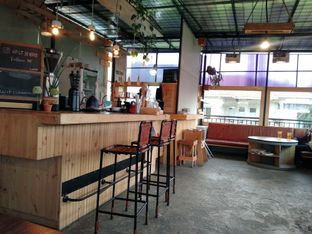Foto 5 - Interior di Lantai 3 Coffee & Pairing oleh anisya nadia