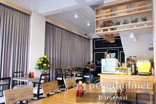Foto 6 - Interior di Back Office Bistro oleh Darsehsri Handayani