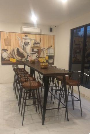 Foto 6 - Interior di Kopi Aah oleh Renodaneswara @caesarinodswr