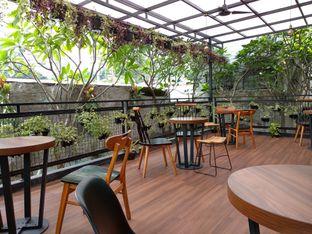 Foto 9 - Interior di Kaca Coffee & Eatery oleh Ika Nurhayati