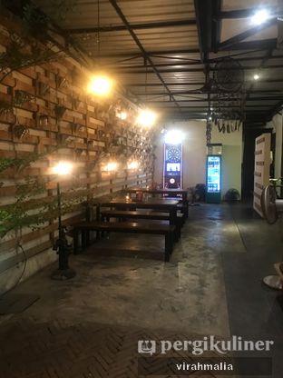 Foto 3 - Interior di BlackBarn Coffee oleh Delavira