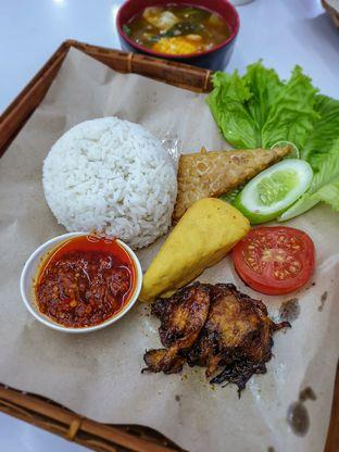 Foto 1 - Makanan di Satu Dunia Satu Cinta oleh Adhy Musaad