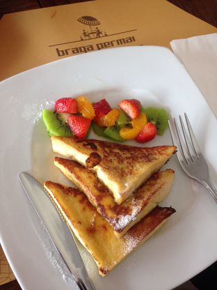 Foto 1 - Makanan di Braga Permai oleh Rurie