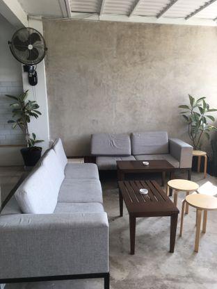 Foto 10 - Interior di Hafa Coffee & Kitchen oleh Prido ZH