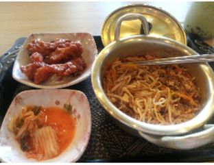 Foto 4 - Makanan(Classic Spicy Ramyun Korean Fried chicken) di Mujigae oleh Rahmi Febriani