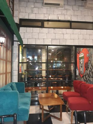 Foto 2 - Interior di Winners Coffee oleh Mouthgasm.jkt