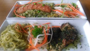 Foto review ROOFPARK Cafe & Restaurant oleh irenaiche 1
