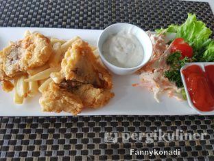 Foto 1 - Makanan(dory fish n chips) di Grandia Sky Lounge - Grandia Hotel oleh Fanny Konadi