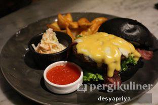 Foto 1 - Makanan(Blacklisted Burger) di Blacklisted oleh Desy Apriya