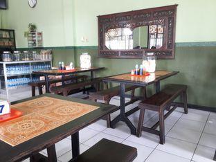 Foto 3 - Interior di Soto Ayam Kampung Cak Mu'in oleh Nisanis