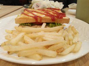 Foto 2 - Makanan di Salt & Sugar Cafe and Bistro oleh hayaty