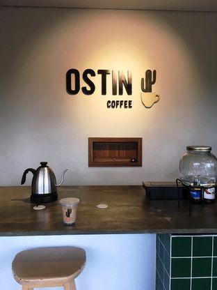 Foto 10 - Interior di Ostin Coffee oleh Prido ZH