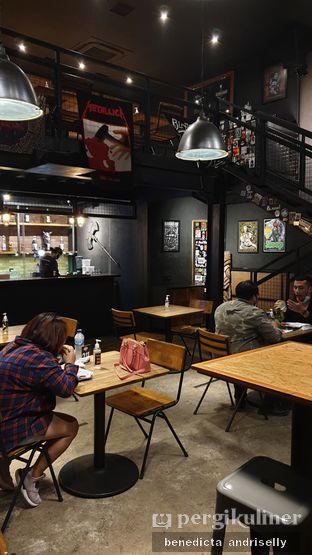 Foto 3 - Interior di Lawless Burgerbar oleh ig: @andriselly