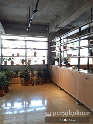 Foto 7 - Interior di Hunter and Grower oleh Selfi Tan