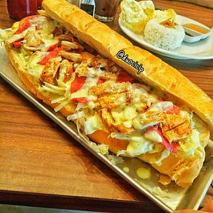 Foto 4 - Makanan(The long boss sandwich) di Eat Boss oleh felita [@duocicip]