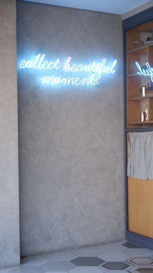 Foto 19 - Interior di Phos Coffee oleh Deasy Lim