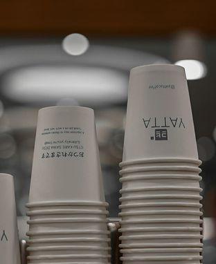 Foto 4 - Interior di Yatta Coffee oleh deasy foodie