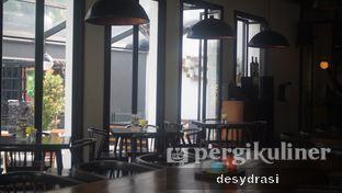 Foto 8 - Interior di Saka Bistro & Bar oleh Desy Mustika