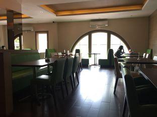 Foto 4 - Interior di Serba Food oleh Prajna Mudita